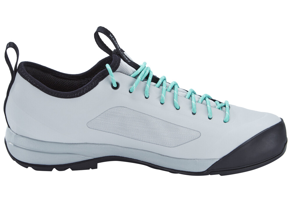 Arc'teryx - Women's Arakys - Chaussures d'approche taille 4, rouge